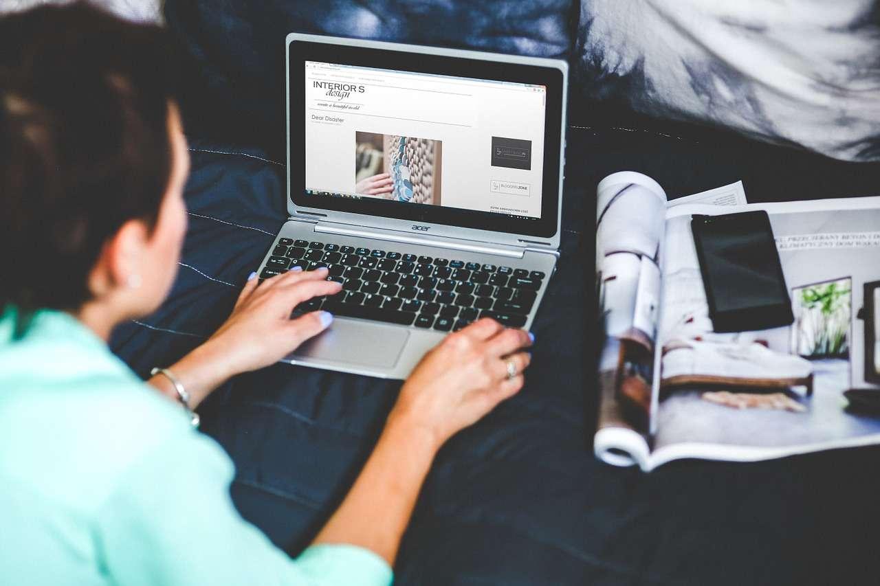 blogging-791034_1280